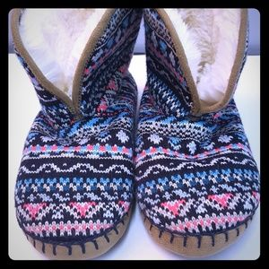 Adorable American Eagle Slipper Boots